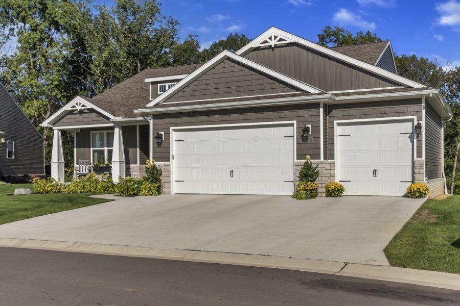 1336 Bluff Drive (Homesite 75)