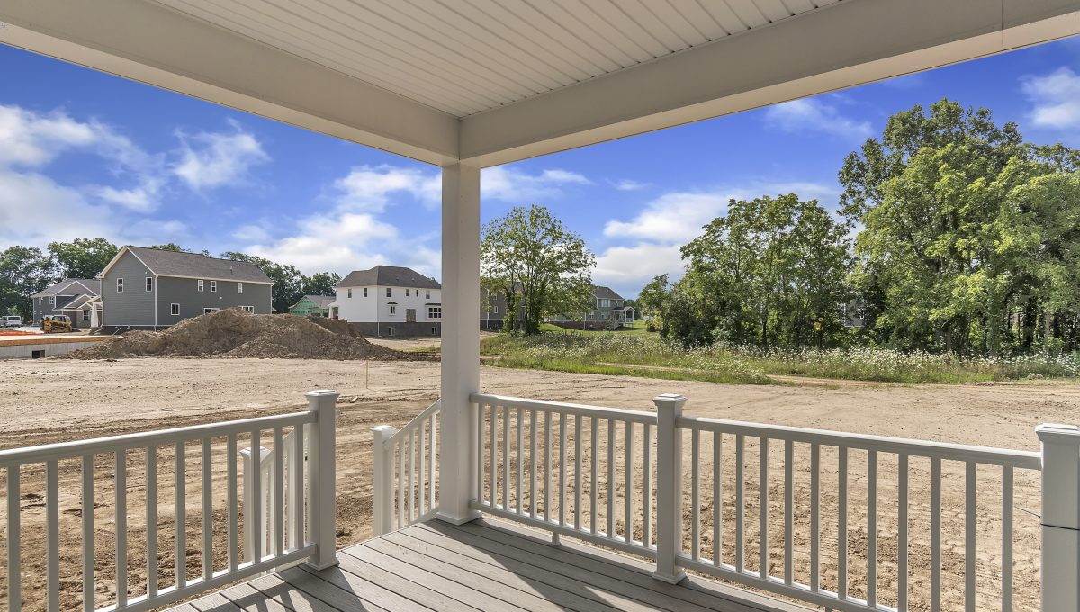 Site-44-Walnut-View-Dr-Hartland-MI-windowstill-33